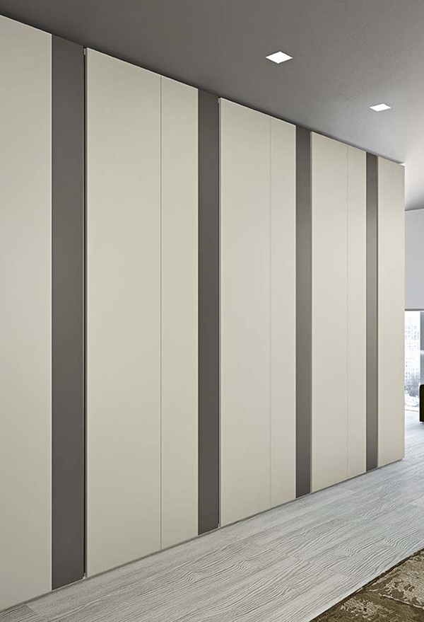 L'armadio Slim è componibile e personalizzabile per dimensioni e colori