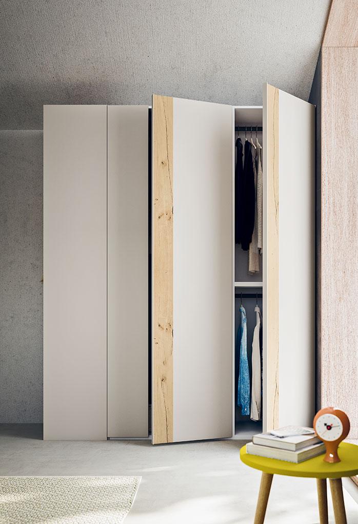 Gli interni dell'armadio Slim possono essere scelti con allestimento Sport o Prestige