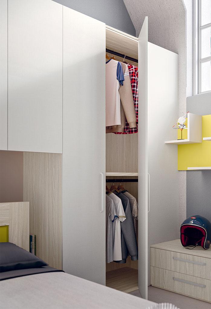 L'armadio Corner ha un'anta apribile e un pannello cieco al quale appoggiare altri elementi come cassettiera e mensole