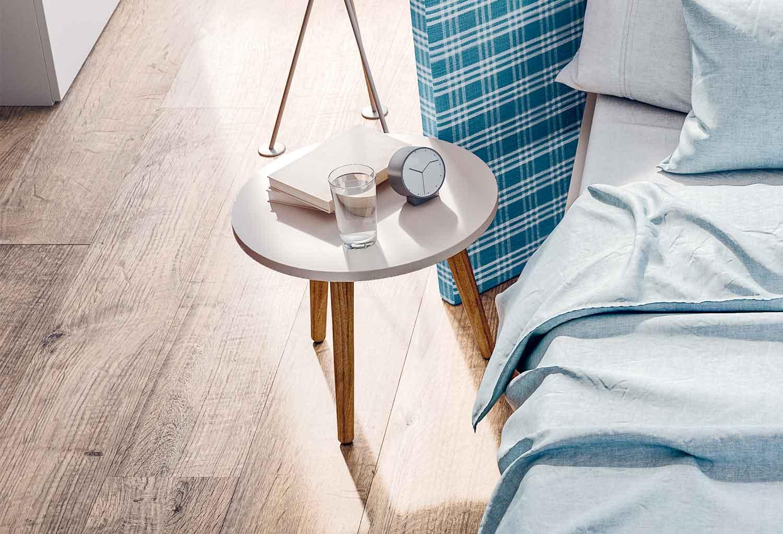 Tripode può essere utilizzato come tavolino o comodino