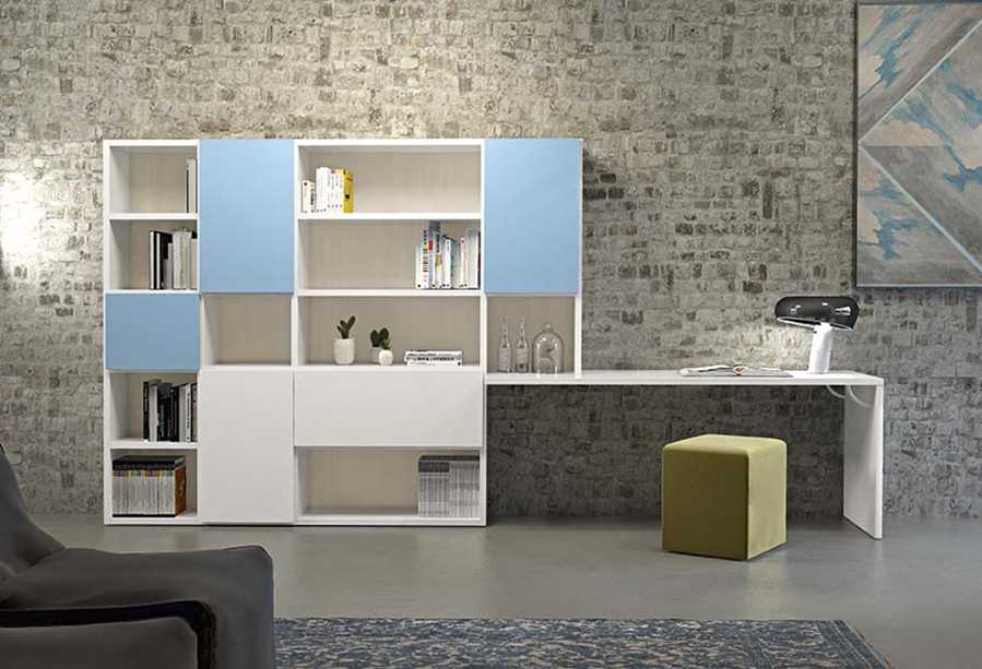 Parete attrezzata per home office con libreria e scrivania integrata