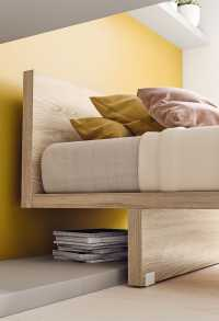Karta bed with casters
