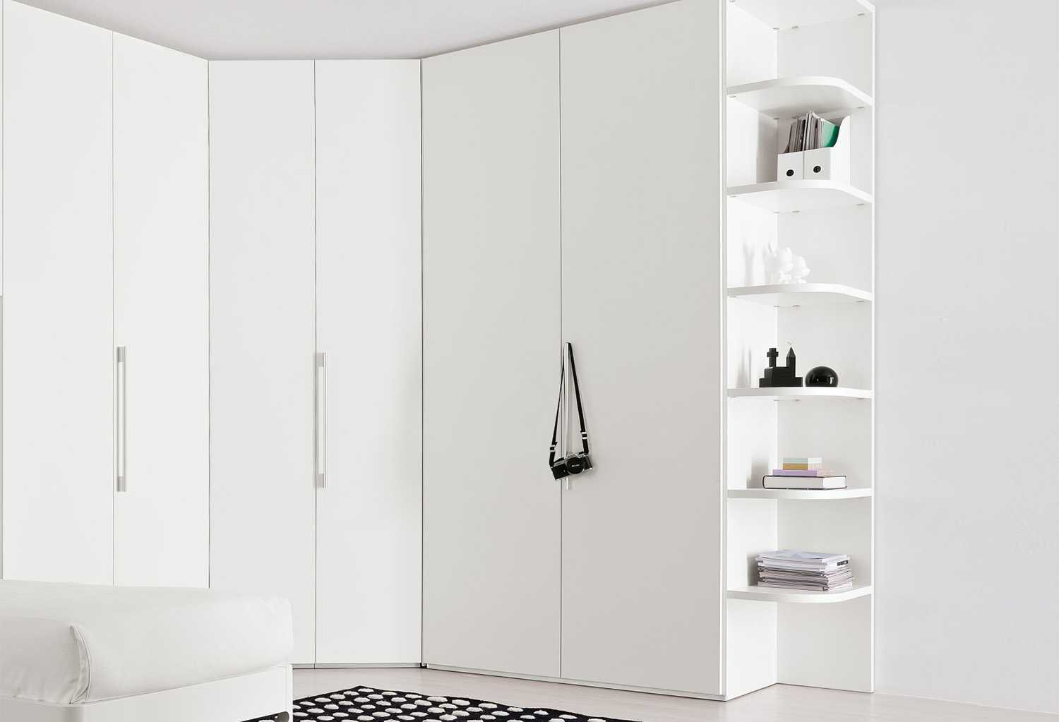 start corner walk in closet clever