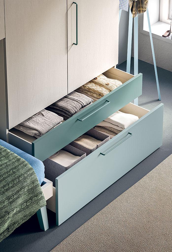 Dettaglio dell'armadio con cassetti con maniglia Tesa C11