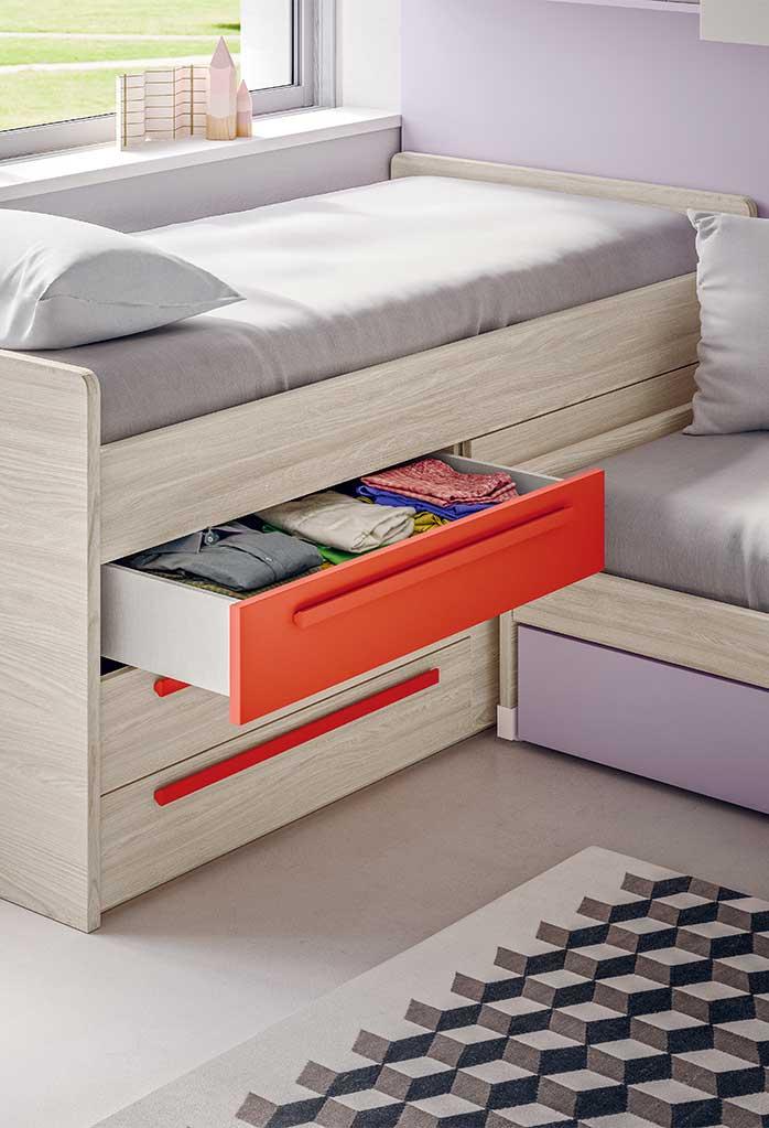 Lobby Corner ha tre capienti cassettoni per riporre biancheria per il letto