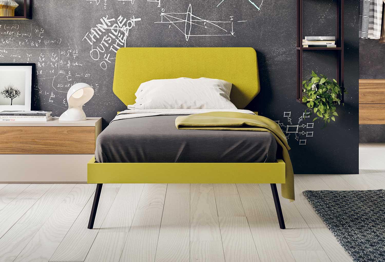 Il letto Cale è disponibile nei modelli singolo, ad una piazza e mezza e matrimoniale