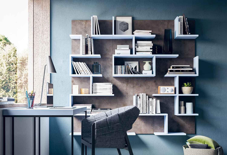 Mensole porta libri con pannello proteggi parete Cross modulari e componibili a piacere