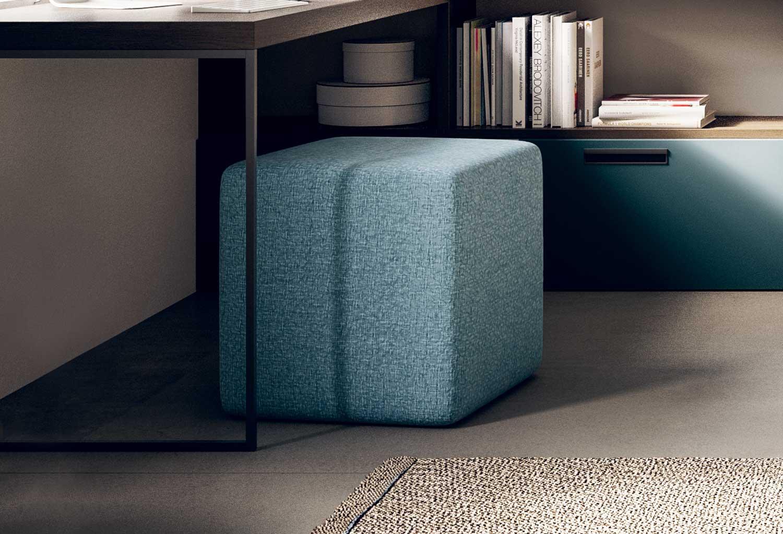 Il pouf Start può essere utilizzato come seduta per scrivania in cameretta
