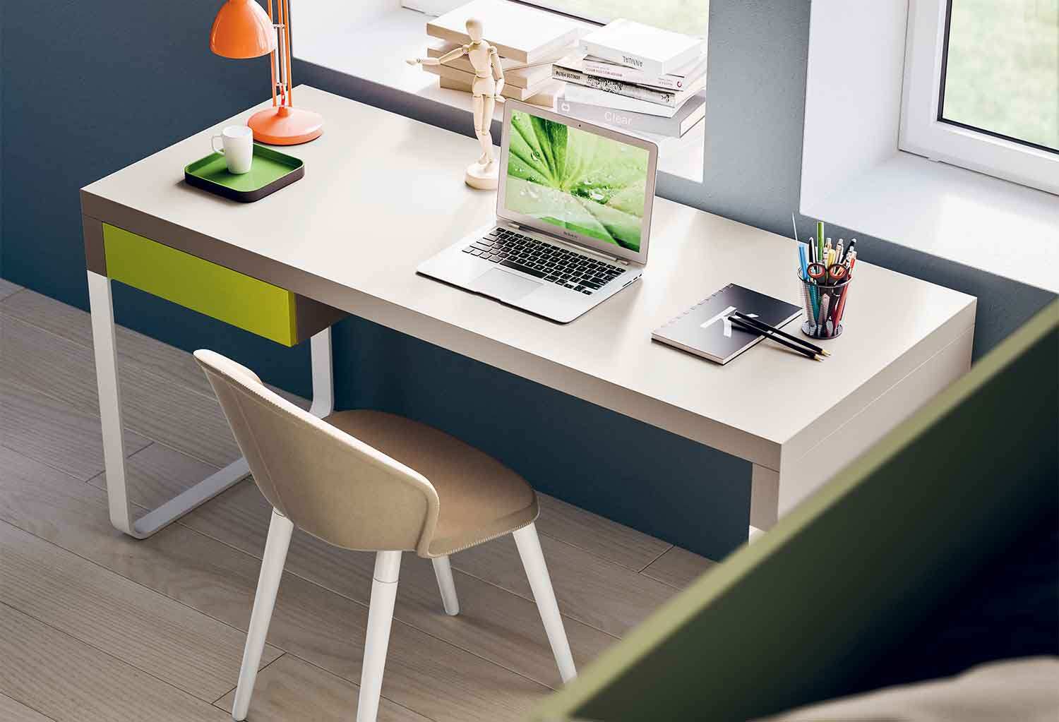 Slitta desk can be customized in many colours