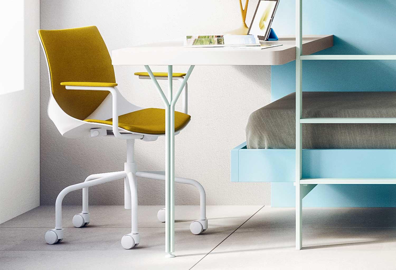 Scrivania Moderna Design : Scrivania moderna con piano bianco laccato lucido gambe grigie e