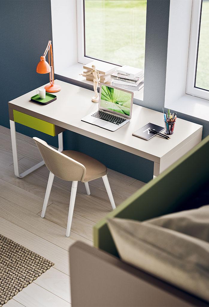 Slitta è una scrivania moderna per cameretta con gambe a slitta e cassetto portadocumenti