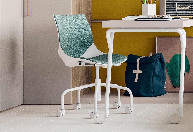 Sedia per scrivania da ragazzi coral ruote clever it for Sedia da scrivania design
