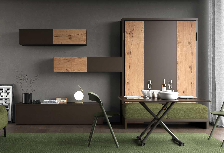 Arredamento salotto con letto a scomparsa, tavolino trasformabile, mobili contenitori