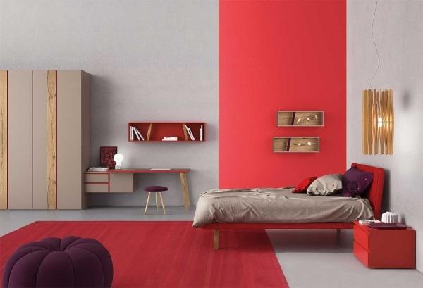 Cameretta rossa e grigia