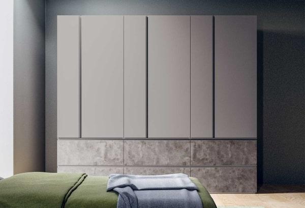 Armadio grigio laccato e in effetto cemento