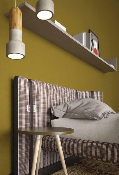Mensola semplice sopra il lettino