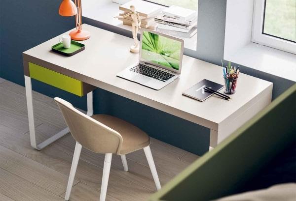 Esempio degli accessori da mettere sulla scrivania